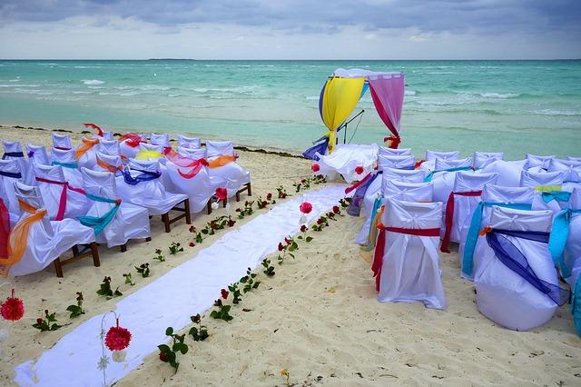 Matrimonio Spiaggia Bibione : Matrimonio in spiaggia a caorle. sposarsi in riva al mare. aquafollie